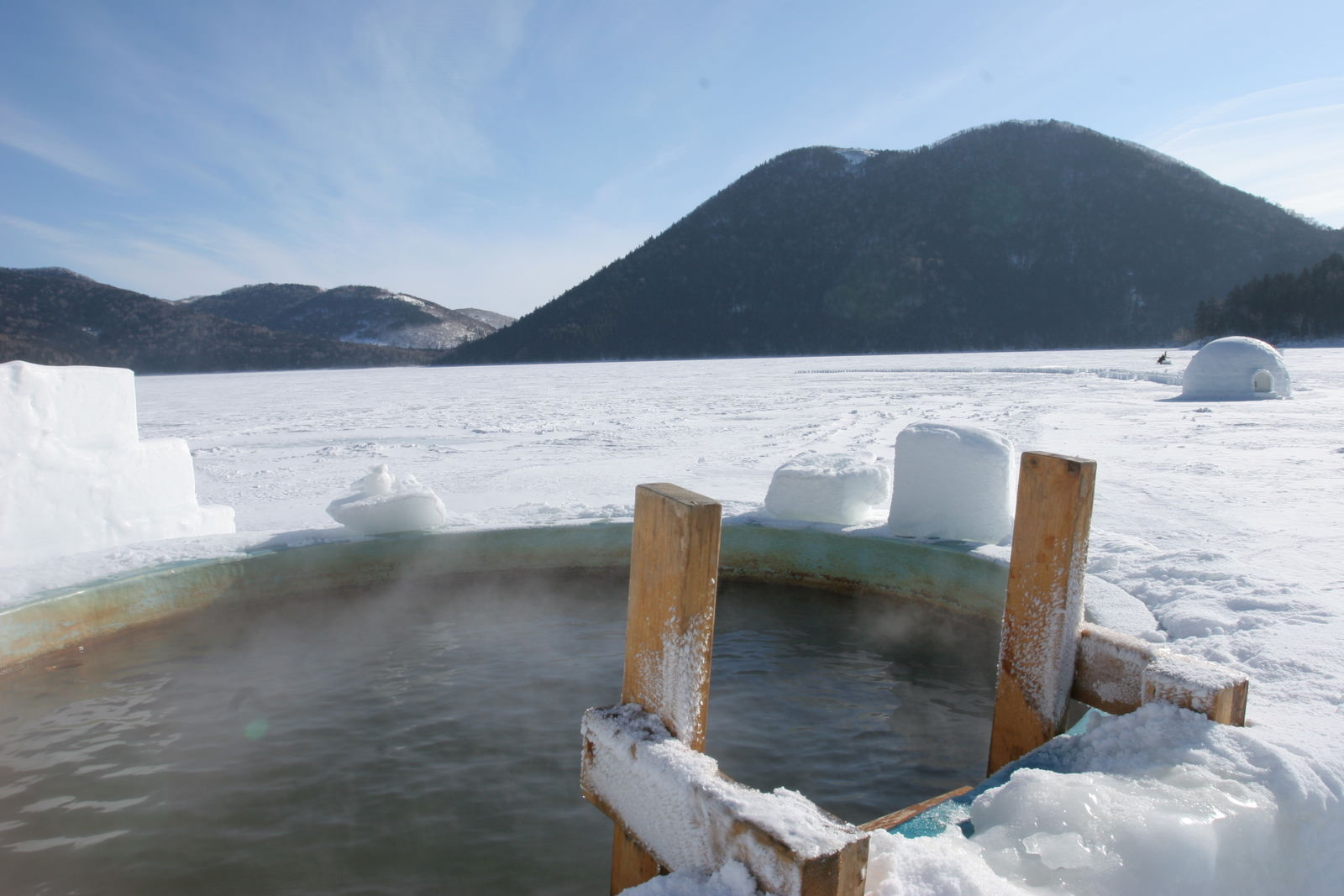 Lake Shikaribetsu Kotan – Hot spring on Ice